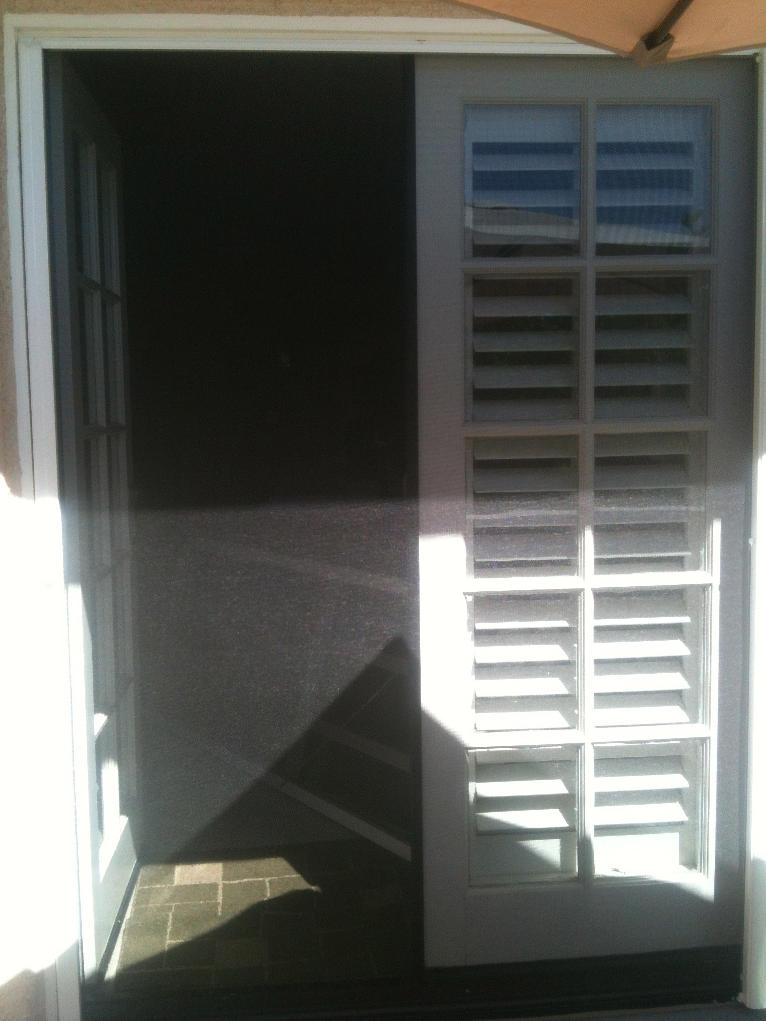 Retractable screen doors screen door and window screen for Pull down retractable screen door
