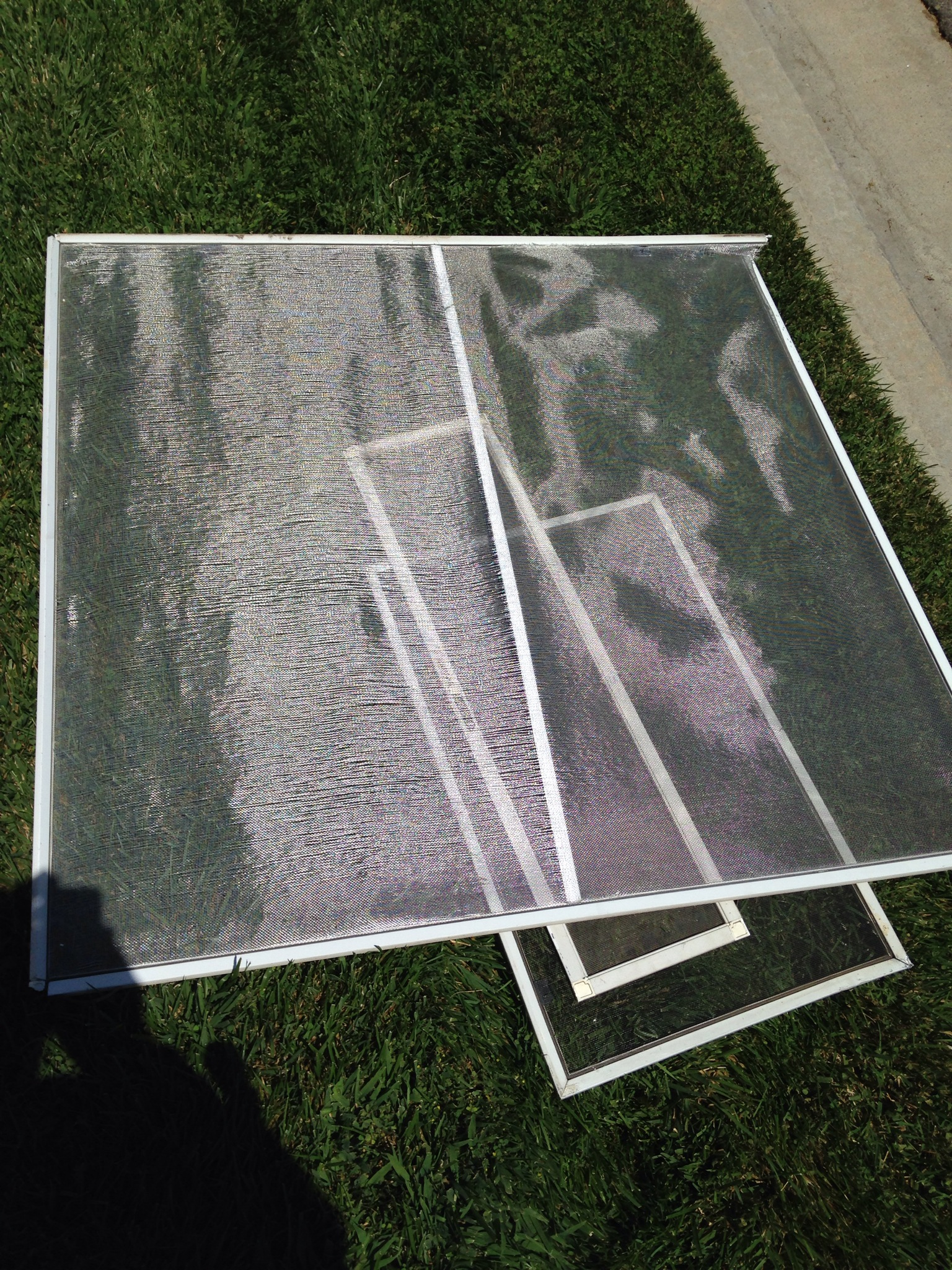 Mobile window screen repair simi valley screen door and for Window screen replacement