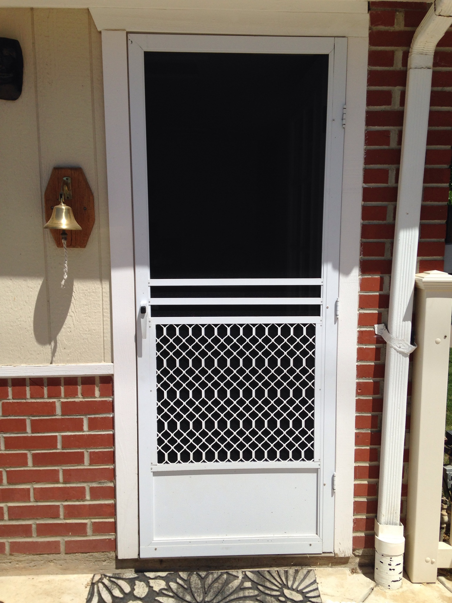 Swinging screen door repair simi valley screen door and Screen door replacement